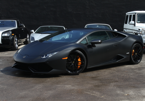 Luxury Vehicle: Lamborghini Huracan